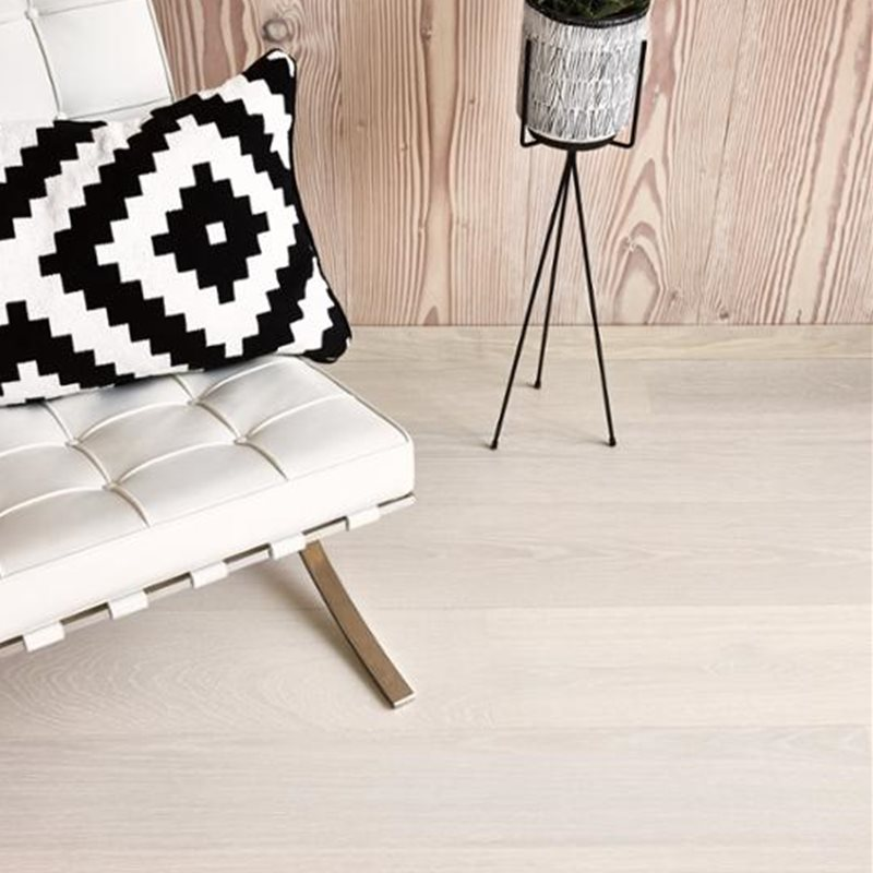 Oak Andante White, Live Pure lacquer white, beveled 2V, brushed, Castle Plank, 14x209x2200mm