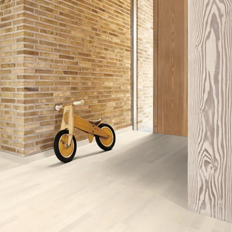 Ash Andante White, Live Pure lacquer white, brushed, Strips 14, 14x215x2200mm
